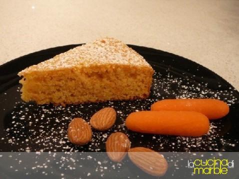 torta con carote e mandorle